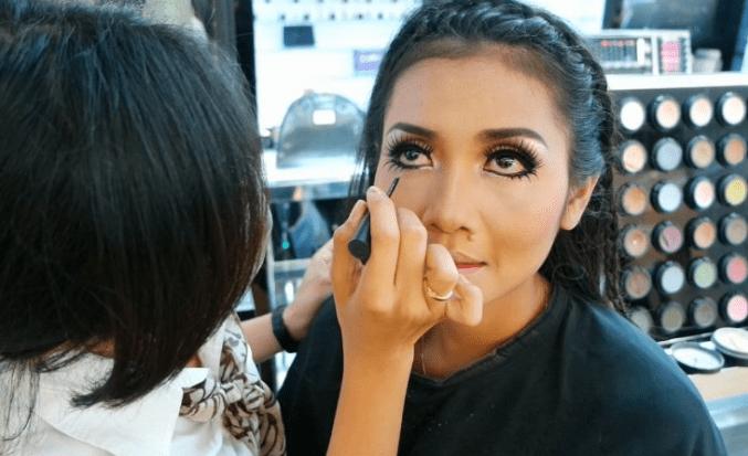 Makeup Artist Terbaik di Makassar